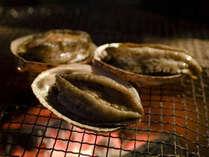 ★【ちょっと贅沢な一品料理】夕食鮑の踊り焼き付1泊2食バイキングプラン