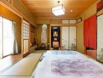 明るい和室。大人数でもご一緒にお泊り頂けます。