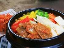 【夕食】冬季限定!女将特製キムチ鍋と冬の韓国料理。