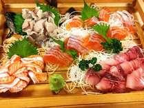 うちで元気に育った信州サーモン、岩魚、鯉。お刺身盛合せ!
