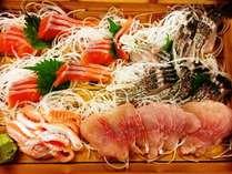 信州サーモン、イワナ、鯉など、うちで育った新鮮な川魚盛り合わせ♪