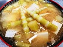 野沢の人気食材「根曲がり竹」はサバ缶と合わせて味噌汁に♪北信州のソウルフード!