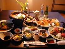 夕食は、お刺身6点盛他、全部で、13~14品料理目当ての、リピ-タ-多数!の画像