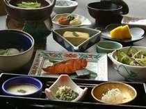常連のお客様からもご好評をいただく当館こだわりの和朝食。朝のお食事は元気のみなもとです♪