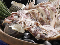 鯛をまるごと1匹使用!!鯛の宝楽焼き