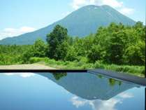 ヒノキ造りの貸切天空風呂〔宙〕SO-RAから眺望する夏の羊蹄山
