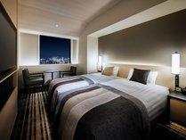 高層階スタンダードツイン ●広さ:25平米 ●ベッド:幅98cm × 長さ196cm 2台