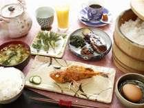 朝食はこだわりの和食