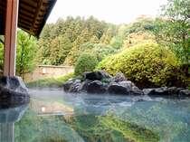 【温泉】展望露天風呂で星空を見上げながら・・