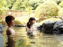 【温泉】仲良くお風呂に入りましょう♪広々としてるから落ち着いて入れます。