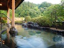 【温泉】緑豊かな景色を眺めながら入る展望露天風呂は最高です。