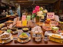 沖縄の食材をメインに50種類以上のバイキング