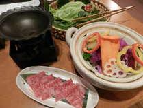 *【夕食一例】松阪牛をすきやき鍋にて堪能!(写真は1人前です)