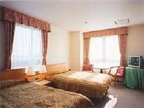 高島の格安ホテル WEST LAKE HOTEL 可以登楼