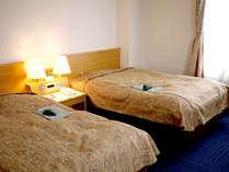【ツイン一例】二人旅やカップルさんにオススメ★セミダブルサイズのベッドでゆったり♪