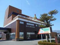 【外観】JR安曇川駅より徒歩1分★スーパー・コンビニも近くにあって便利★