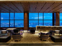 パノラミックな眺望がお愉しみいただける最上階36階ロビー