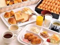 パンとサラダ、珈琲や紅茶以外にも、稲荷寿司、お味噌汁仲間入り♪