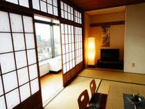 高層階からの景色を楽しむことが出来る和室