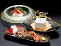 記念日のお客様はご夕食をお祝い風の飾りつけに。ご予約時にお申し付け下さい。(無料)