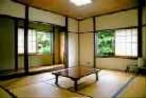 和室お部屋景色が見える静かなお部屋・虫の声で目覚めてください