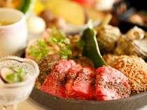 ご夕食は、炙り焼き会席と足柄遊膳会席よりご選択。※写真は炙り焼き会席イメージ