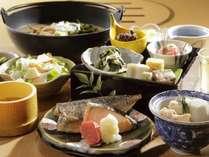 朝食 1日の始まりは、焼き魚にあたかいお味噌汁。。