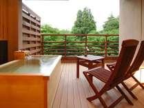 【新館:水花の庄/和洋室35平米】四季折々の風景を眺めながら湯浴みを。※温泉ではございません