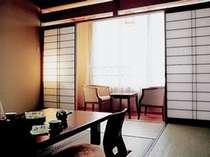 静かな雰囲気の東館客室。