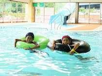 本当に楽しそうに泳いでますね♪1年中快適に楽しめますよ★