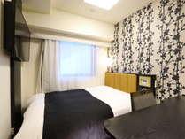 ダブルルーム(広さ11平米/ベッド幅140cm)