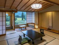 【葵館和室】ゆったりした間取りの葵館和室。景色を眺めながらお寛ぎを。