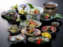 【和食】板長厳選の海の幸を使った会席料理でございます