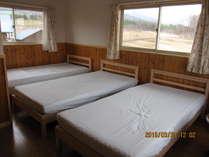 2階のベッドルームです。2部屋あります。