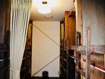 男女共用の、ドミトリーのお部屋です。(12名様分)
