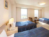 トリプルルーム(城側24平米)ゆったり広々とした、3ベッドのお部屋です。