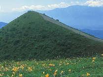*飯盛山/山頂からは八ヶ岳や富士山など360度の大パノラマが広がります