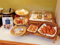 朝食バイキング(パン各種)