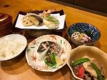 【夕食】ほっこり家庭料理!日替わりでその日の店主おまかせ!