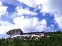 *標高800Mの高台に建つ、眺望自慢の温泉宿へようこそ!