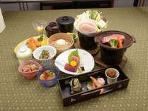 *【ご夕食一例】当館自慢の鮪づくし料理!