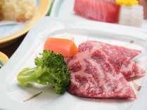 *【ご夕食一例】国産牛付きのグレードアップメニュー。