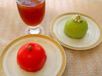 *ピスタチオ&ベリーケーキと真っ赤なりんごのケーキ