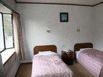 【洋室(一例)】※海が見えない部屋。道路側のお部屋や、窓のないお部屋です。