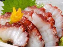 タコの常識を覆す!?【志津川産たこ刺し+鮑の踊焼きプラン】旨味あふれるプリプリの絶品の蛸をご賞味あれ♪