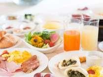 種類も豊富で人気な朝食バイキング
