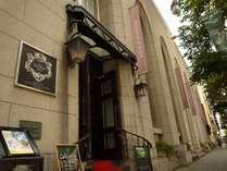 【ブライダル】旧第一勧業銀行松本支店ビルを改装したノスタルジックかつお洒落なブライダル棟