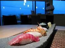 イタリ亭ではメインにお寿司をご用意致しております