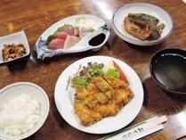 *【夕食一例】日替わりメニューでご用意しております。