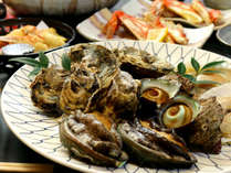 今が一番美味しい磯味覚を集めました!あわび・牡蠣・サザエ・ホタテをカニと一緒に★